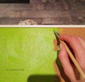 Pinnwand mit Acrylfarbe bemalen