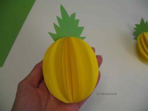 Ananas aus Papier