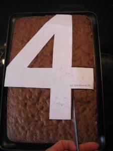 Kuchen ausschneiden