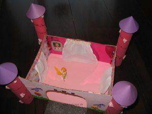 Prinzessinnen-Schloss aus Karton - oben