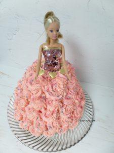 Barbie-Torte mit Buttercreme-Kleid