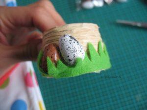 Wiese über die Eier kleben
