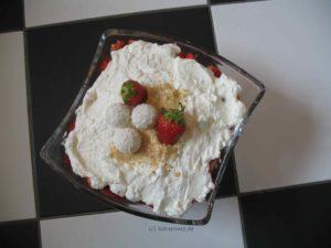 Erdbeer-Raffaello-Creme