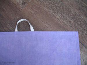 Abgestepptes Handtuch mit Aufhänger