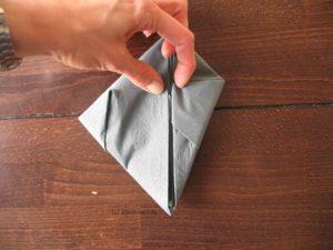 Hasen-Serviette falten, Schritt 4
