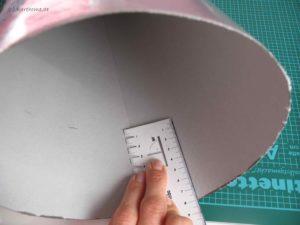 Markierung setzen für das Kreppapier