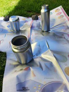 Gläser mit Chromspray besprühen