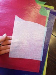 Stück Transparentpapier zurecht schneiden/reißen