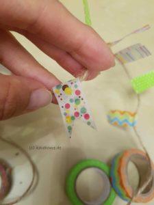 Washi-Tape zum Fähnchen schneiden